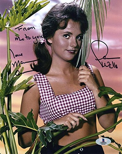 Wells Signed Photo - DAWN WELLS SIGNED AUTOGRAPHED 8x10 PHOTO MARY ANN GILLIGAN'S ISLAND BECKETT BAS