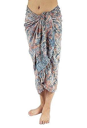 Amazon.com: Mano Pintura del batik sarong, Pareo/bufanda ...