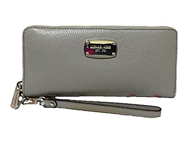 7a37baee6e10 Amazon.com: Michael Kors Pearl Grey Leather Jet Set Travel Continental Zip  Around Wallet Wristlet: Shoes