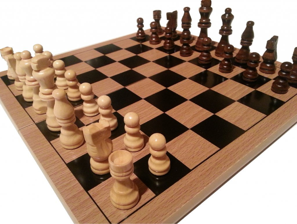 TRADITIONAL CHESS SET BOARD and PIECES