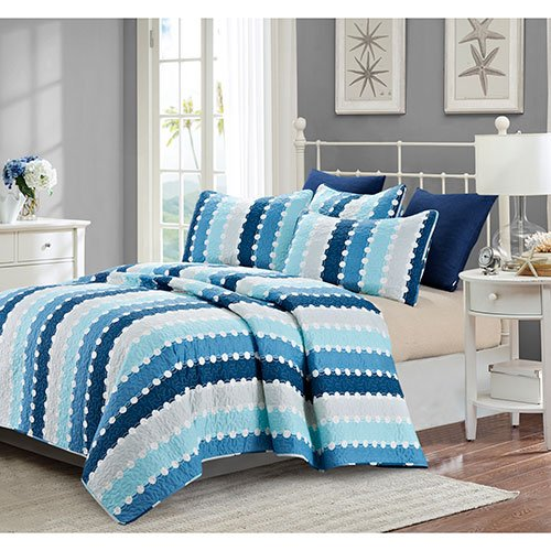 Sag Harbor Quilt in Queen Size