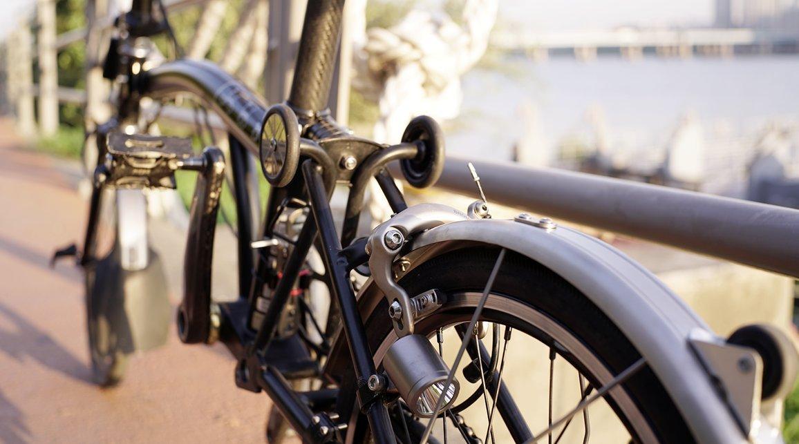 NovR-- Juego de guardabarros de titanio para bicicleta plegable Brompton - Dino Kiddo: Amazon.es: Deportes y aire libre