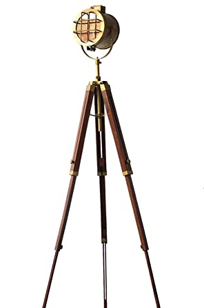 Cool modern náutico Regency Searchlight Focus lámpara de pie tres Fold trípode acabado