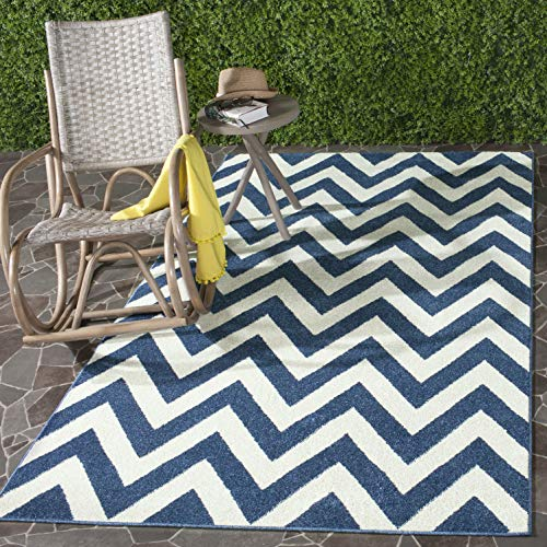 Safavieh Amherst Collection AMT419P Navy and Beige Indoor/ Outdoor Area Rug (8' x 10') (Chevron Area Navy Rug)