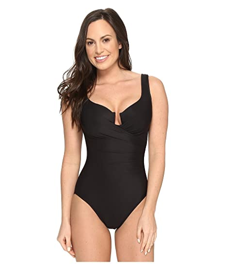 858cec3ec59 Miraclesuit Women's Must Haves Escape One-Piece at Amazon Women's Clothing  store: