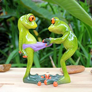 DAMEING Garden Frog Statues 3D Creative Statues Green Frog Figures Figurines, Funny & Cute Frog Statue for Home Desk Bathroom Decoration Outdoor Yard Decor Lawn Ornaments