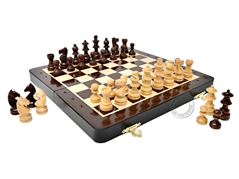 House Of Chess   10 Inch Wooden Magnetic Folding Travel Chess Set / Board  With 2