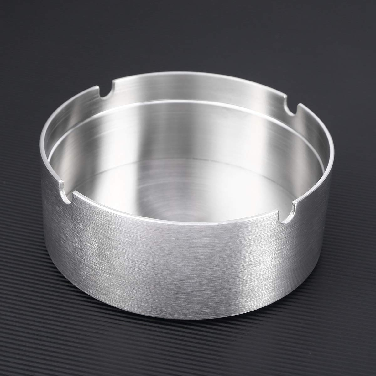 Vosarea Stainless steel modern tabletop ashtray round revolving ashtray with spinning tray windproof ashtray for hotel S sanding surface