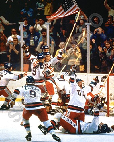 1980 USA Olympic Gold Medal Hockey Team Miracle On Ice Unsigned 16X20 Photo -