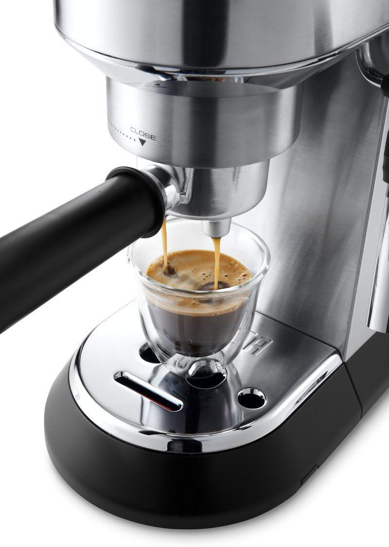 Delonghi Dedica - Cafetera de Bomba de Acero Inoxidable para Café Molido o Monodosis, Cafetera para Espresso y Cappuccino, Depósito de 1.3 Litros, Sistema Anti-goteo, EC685.M, Metal 30x33x15cm: Amazon.es: Hogar