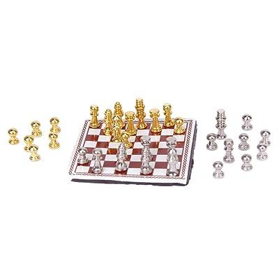 01:12 Ajedrez De Metal Casa De Muñecas En Miniatura Color Plata Y Oro: Juguetes y juegos