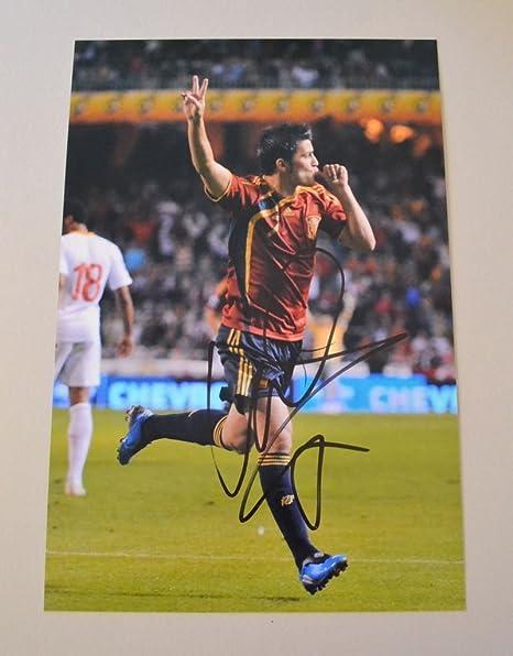 David Villa firmó 12 x 8 foto auténtico España Euro 08 autógrafo Memorabilia + COA: Amazon.es: Deportes y aire libre