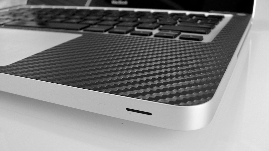 iCarbons Black Carbon Fiber Vinyl Skin for MacBook Pro 13'' (Silver Unibody) Full Combo by iCarbons (Image #3)