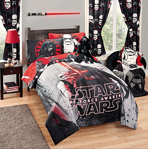 Disney Star Wars 5 Piece Kids Bed in a Bag Full Bedding Set - Reversible Comforter, Sheets & Pillow Cases by Disney