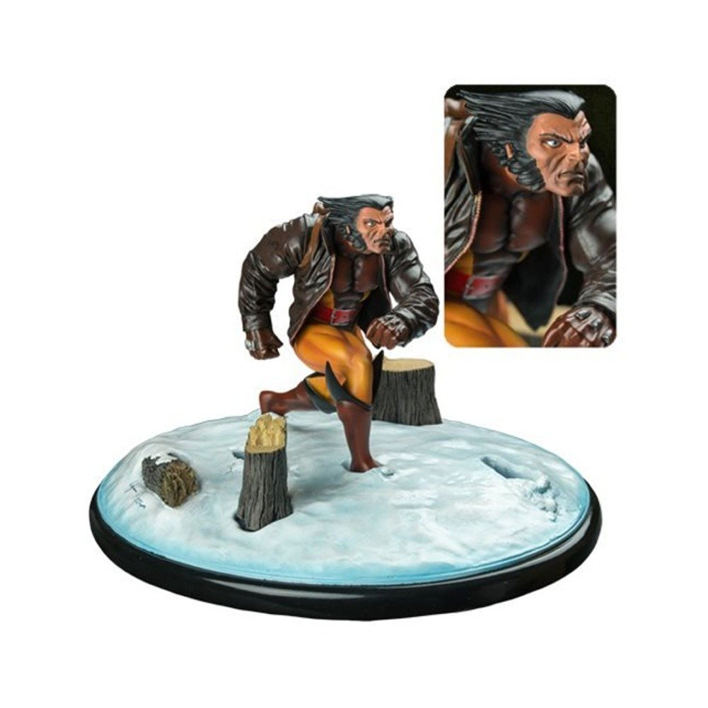 Diamond Select Toys Marvel Premier Collection: Wolverine in Snow Resin Statue B012FFOV9I