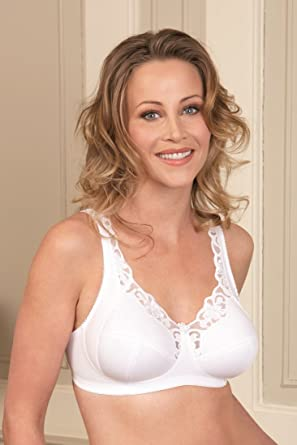 a2492bb1d9e Royce Lingerie Rhianna Non-Wired Comfort Support Bra (577 42GG Black   Amazon.co.uk  Clothing