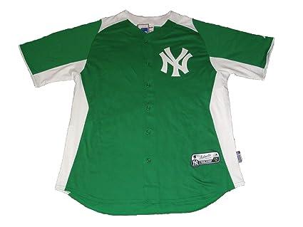 half off c35f4 266a5 Amazon.com : Majestic New York Yankees St. Patrick's Day ...