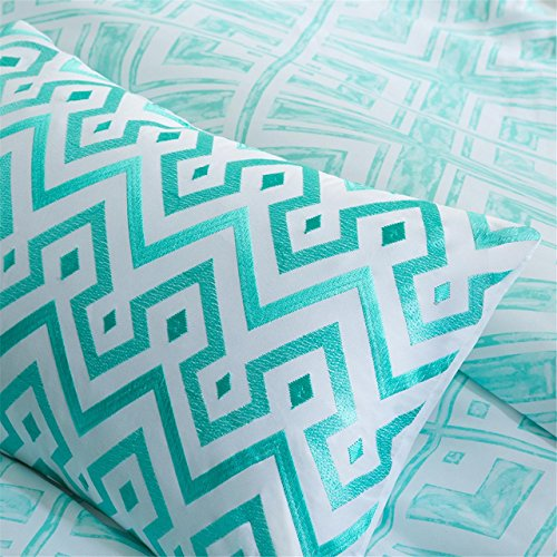 Intelligent Design Laurent Comforter Set Full/Queen Size - Aqua, Geometric – 5 Piece Bed Sets – Peach Skin Fabric Teen Bedding For Girls Bedroom