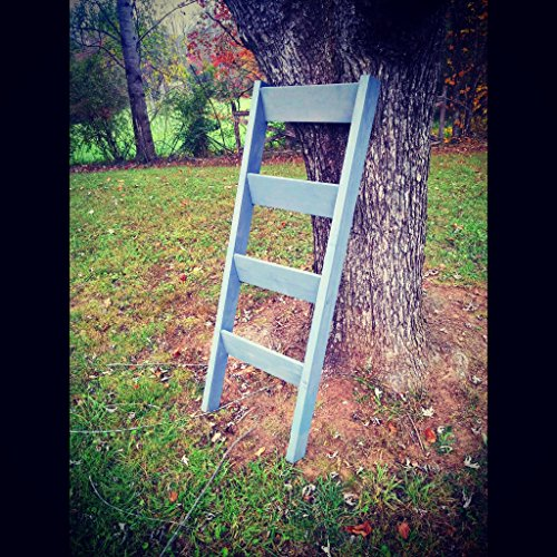 Wooden Blanket Ladder by Pallet Inspirations