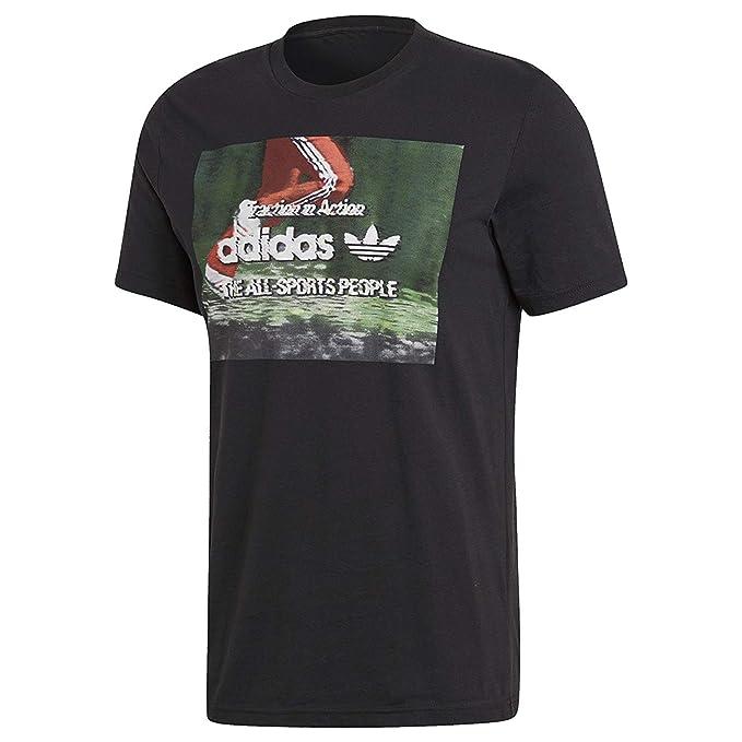06beae749e7 adidas Mens Originals Camiseta Photo Traction in Action CE2248   Amazon.co.uk  Clothing