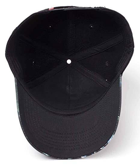 cb4dad54123c3 Amazon.com  Marvel Venom Baseball Cap Printed Bill Movie Logo Official  Black Snapback  Clothing