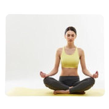 alfombrilla de ratón Yoga. Mujer meditando y haciendo yoga ...