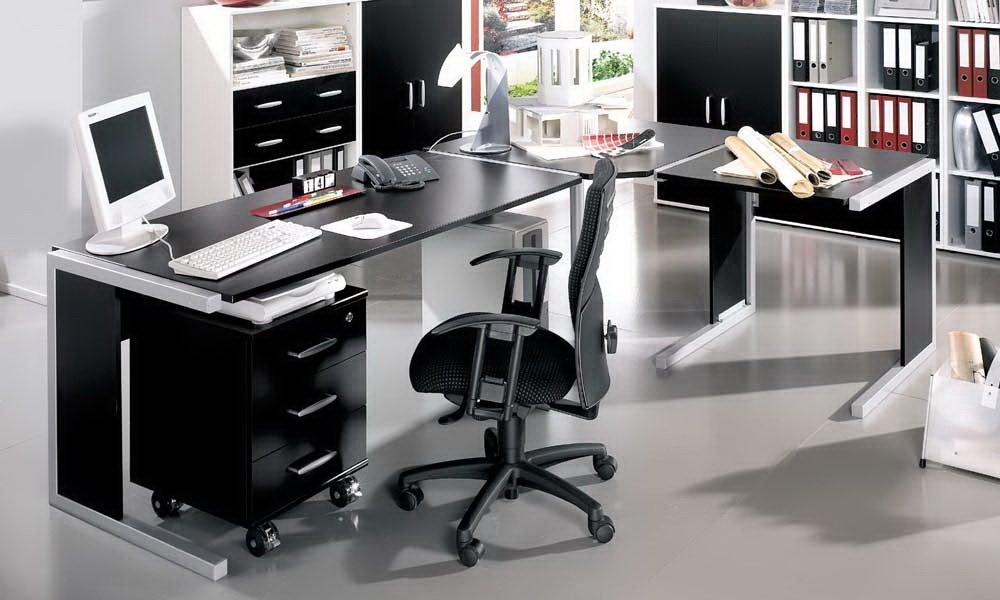 4-tlg. Schreibtischkombination in schwarz, bestehend aus 2 x Schreibtisch, Eckplatte und Rollcontainer
