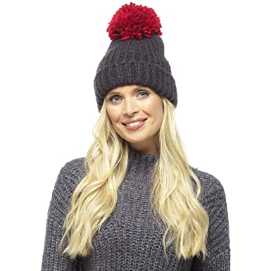 3eb6d1bfd5f Earland Brothers Chunky Knit Beanie with Extra Large Coloured POM POM  Oversize Big Pom Bobble Hat (Dark Grey with Red Pom 573)  Amazon.co.uk   Clothing