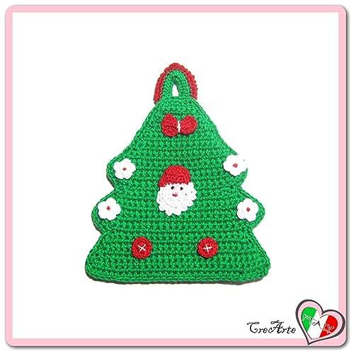 Grüner Häkeln Baumförmiger Topflappen Mit Weihnachtsmann Für