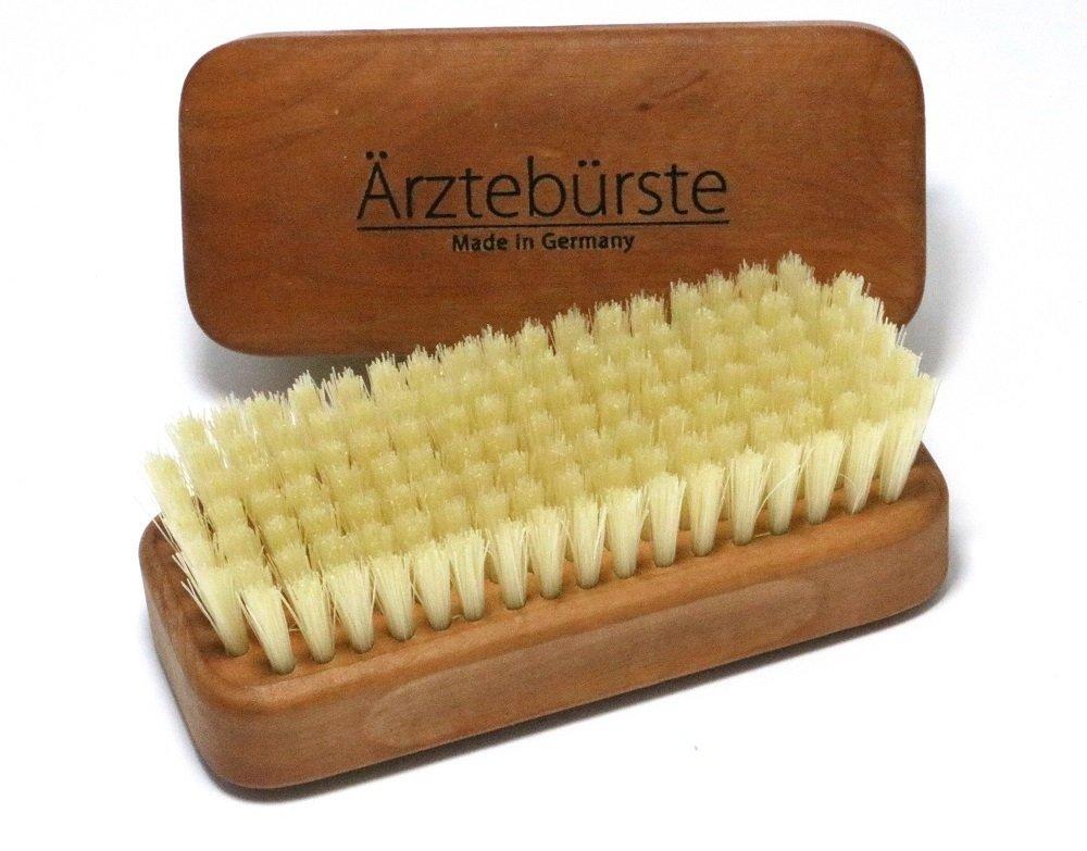 cepillo para uñas