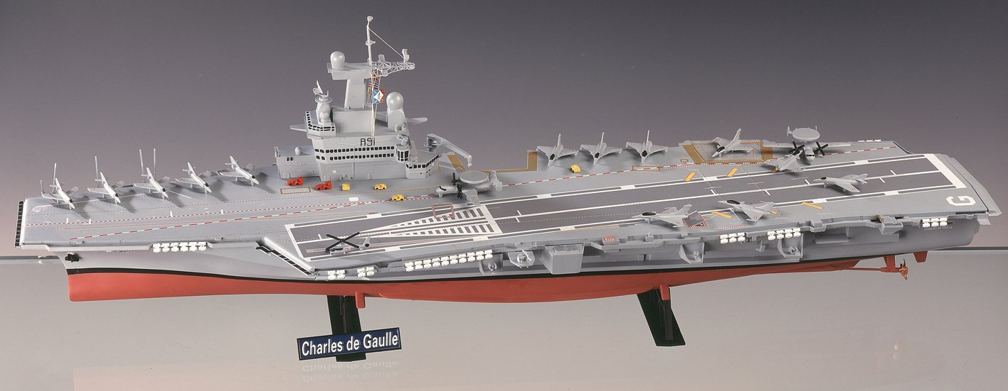 Amazon.com: Heller Charles De Gaulle French Aircraft Carrier ...