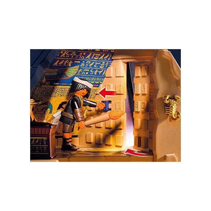 61spFXIULbL Incluye tres figuras, dos esqueletos, una momia, un sarcófago, tres arañas, una serpiente, un escorpión, antorchas y varias vasijas. La pirámide tiene varias trampas: paredes móviles, falso suelo y escaleras trampa. Dimensiones: 46 x 37,5 x 27 cm (LxPxA)