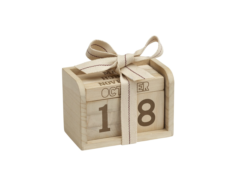 Sugarbooger Amazing Never-Ending Wooden Desktop Calendar