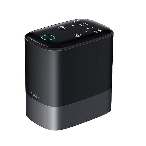 2台同時接続可能、aptX LLコーデック対応、3.5mmAUX、光デジタル端子装備など、一通りの機能を搭載したBluetoothトランスミッター。バッテリーも搭載していて、13時間連続使用が可能になっている。そこそこ大きいので、据え置きでの使用がおすすめ。