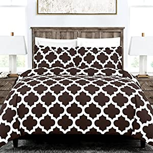 Egyptian Luxury Quatrefoil Duvet Cover Set - 3-Piece Ultra Soft Double Brushed Microfiber Printed Cover with Shams - King /Cal King - Brown/White
