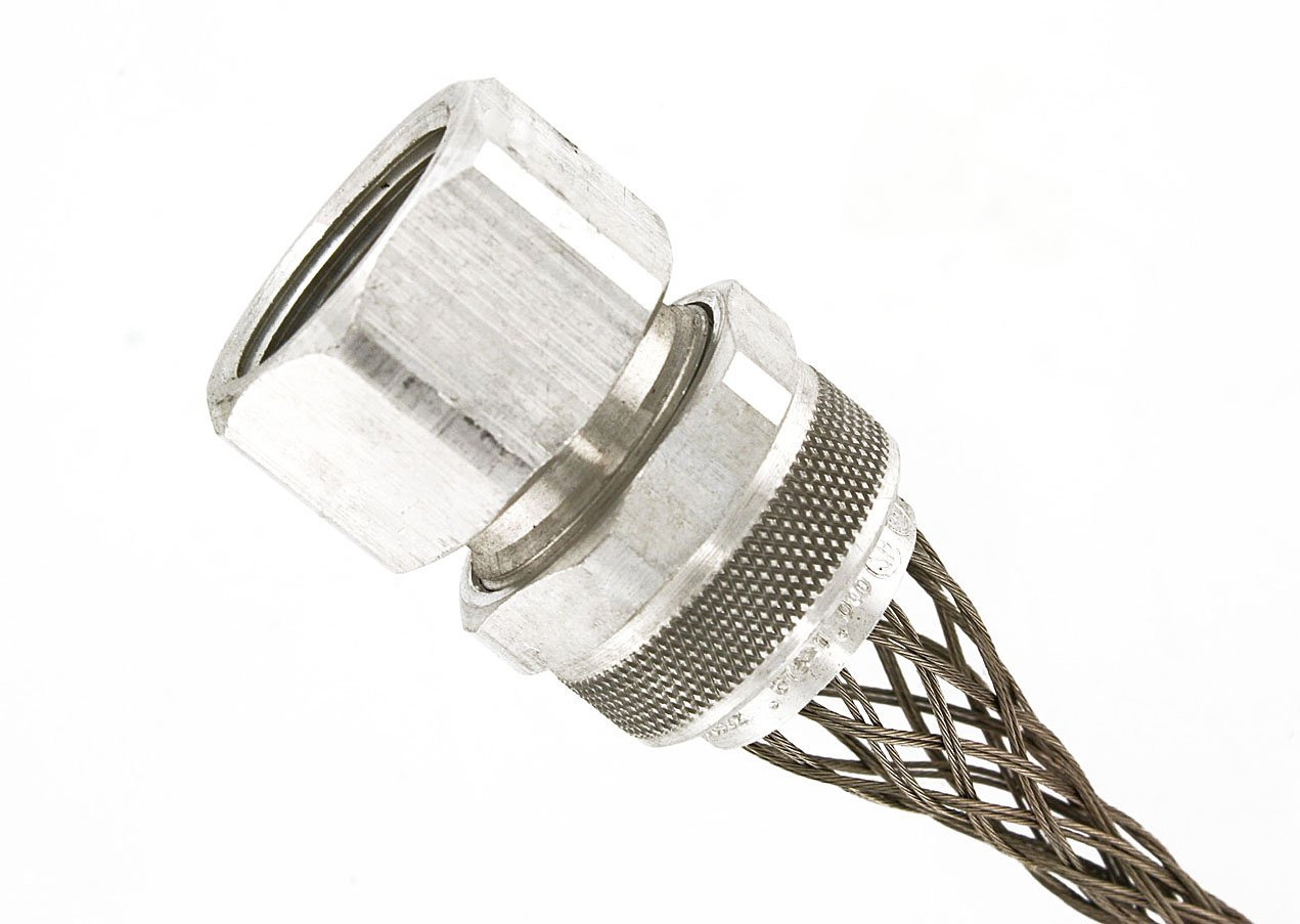 Leviton L7833 1-Inch, Straight, Female, Aluminum Body, Deluxe Cord Sealing Strain-Relief.562 to .687 Cord Range