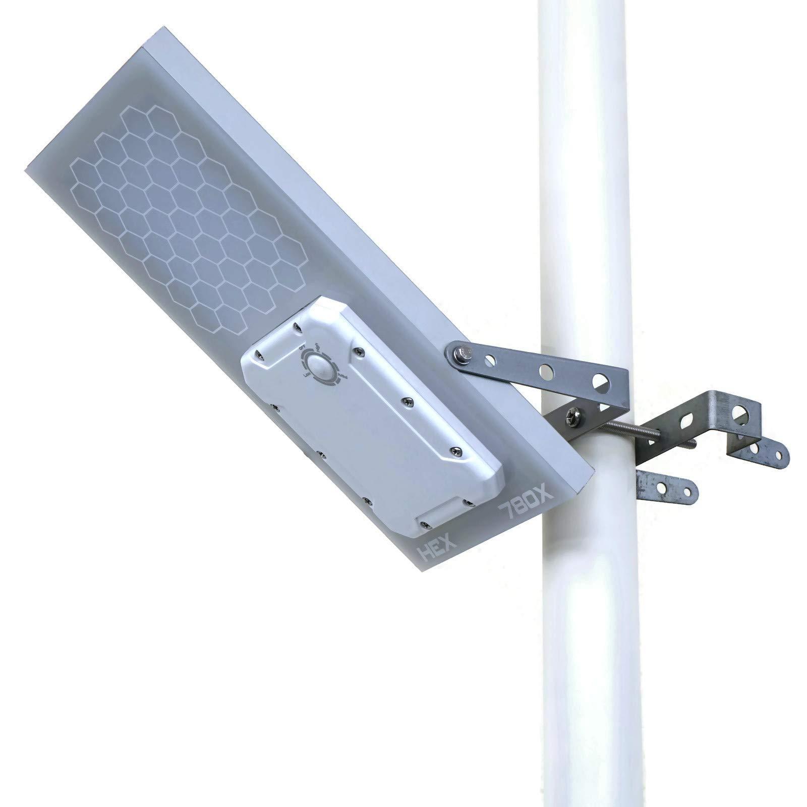 Solar Street Light // HEX 780X Solar Street Light (Warm White LED) // 3-Level Power Setting // Fits Max Pole Diameter 2.5''
