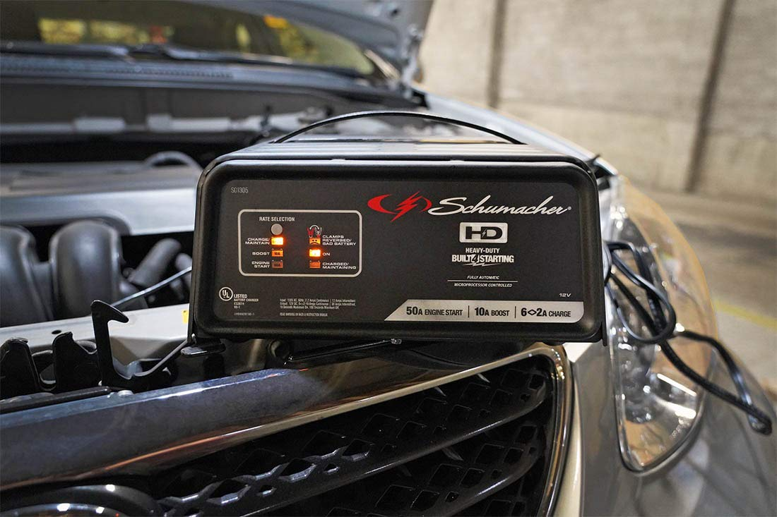 Schumacher SC1305 12V Fully Automatic Battery Charger and 10/50A Engine Starter by Schumacher (Image #3)