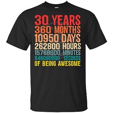 Amazon.com: Dolphintee - Camiseta de regalo de cumpleaños ...