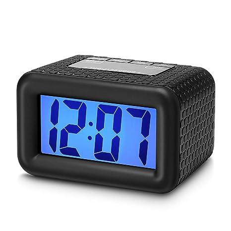 Plumeet Fácil de configurar, Gran Digitaces LCD del Recorrido del Despertador con la Snooze Buena luz de la Noche, la Alarma de Sonido Ascendente y de ...