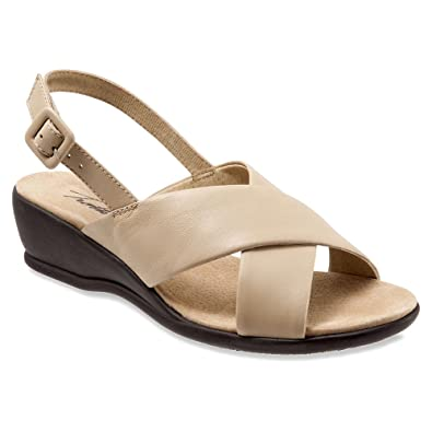 Trotters Women's Lee Nude Soft Kid Leather Wedge