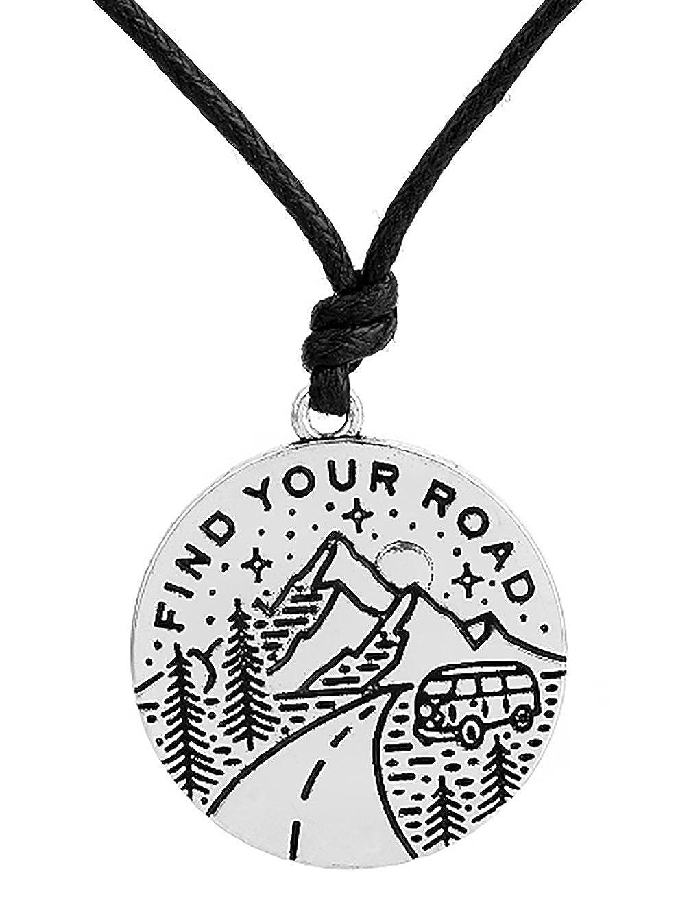 fishhook Amo da Pesca all Aperto Paesaggio Montagna e Alberi Find Your Road Alfabeto Collana per Esterni Lovers
