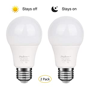 Dusk to Dawn LED Light Bulb 7W E26/E27 3500k Warm White, Sensor Light Bulb with Photo Sensor, Automatic On & Off for Outdoor Front Back Porch, Yard, Patio, Garage, Garden Security Lighting(2 Pack)