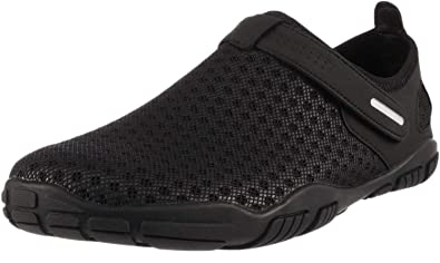 7a5b2e95942e WHITIN Men s Quick Drying Water Shoes for Aqua Zapatos de Hombre para Agua  Male Black Size