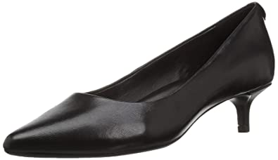 b87a0a91d50 Taryn Rose Women s Naomi Pump Black 5 M Medium US