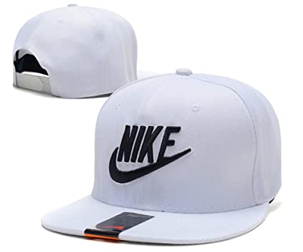 Amazon.com  NIKE Graphic Futura True 2 Snapback Hat Mens Style  Sports    Outdoors f50638f2b1b