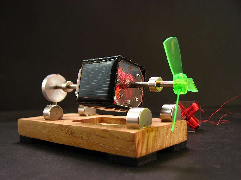 Mendocino Motor Light engine magnetic suspension solar toy Scientific physics toys