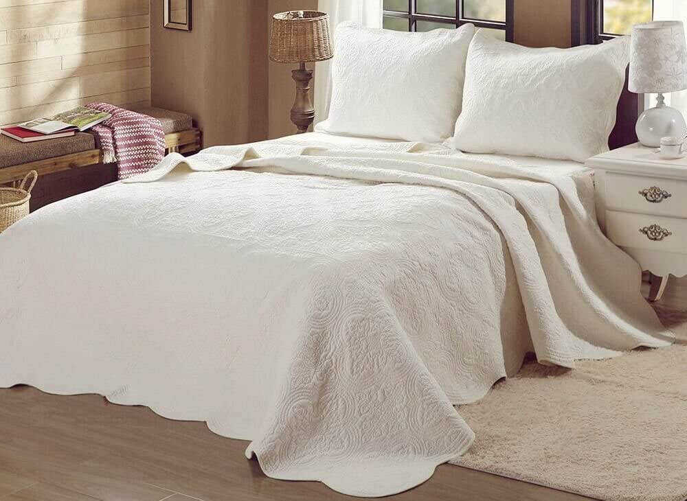 Cozy Line Home Fashions Victorian Medallion Solid Ivory Matelasse Embossed 100% Cotton Bedding Quilt Set
