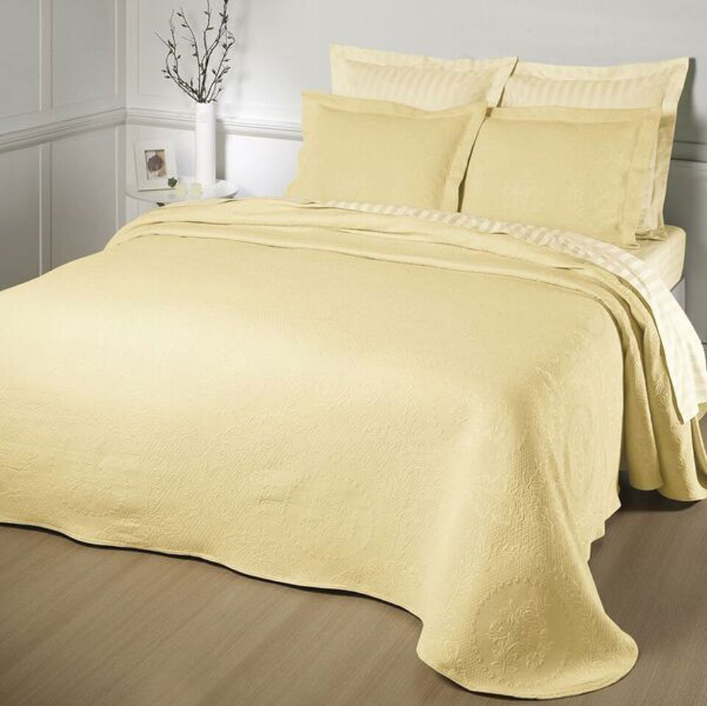 Europa Fine Linens Kensington Rose Matelasse Bedding, Bedspread Queen Size 102-Inch by 120-Inch, Yellow by Europa Fine Linens