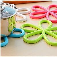 we3® Insulated Hot Pot Mat Kitchen Placemats Insulation Mats Plum-Shaped Anti-Slip Table Mat PVC Insulated Pot Pad Holder Kitchen Accessories (5 of Set)
